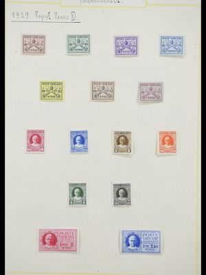 Stamp collection 33256 Vatican 1929-1949.